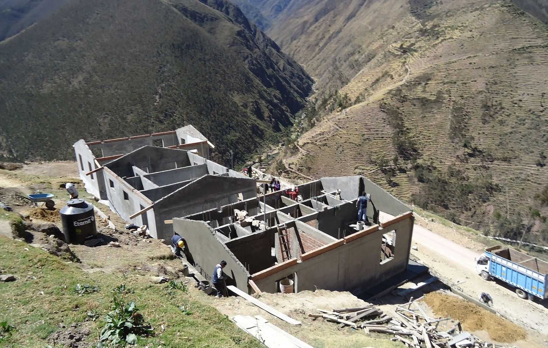 Gobierno anuncia construcción de 1,032 viviendas rurales seguras ...